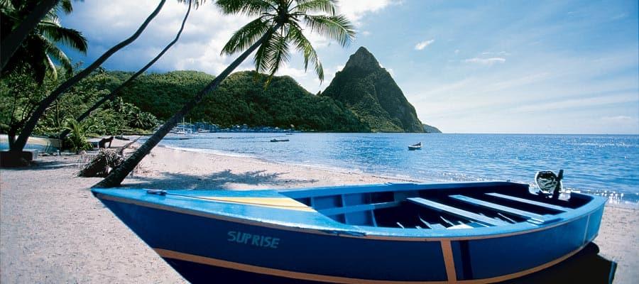 Navega hacia la tranquilidad de las playas en Santa Lucía