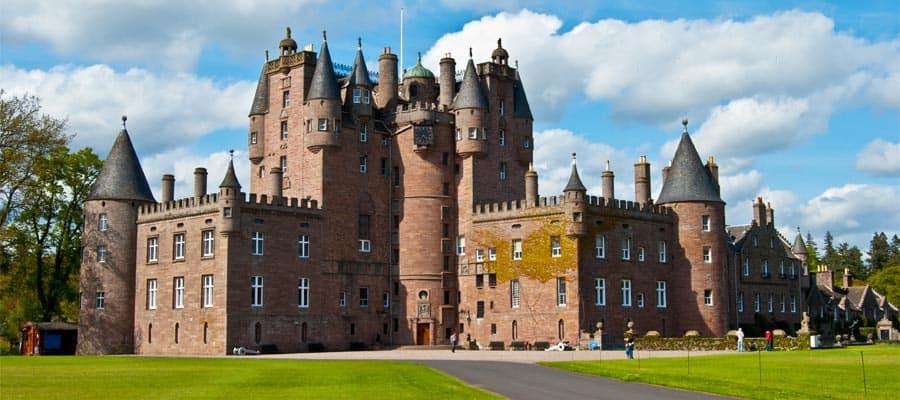 Castillo de Glamis en las tierras altas de Escocia