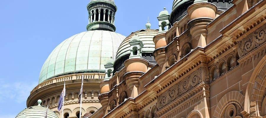 Edificio Reina Victoria en un crucero a Sídney