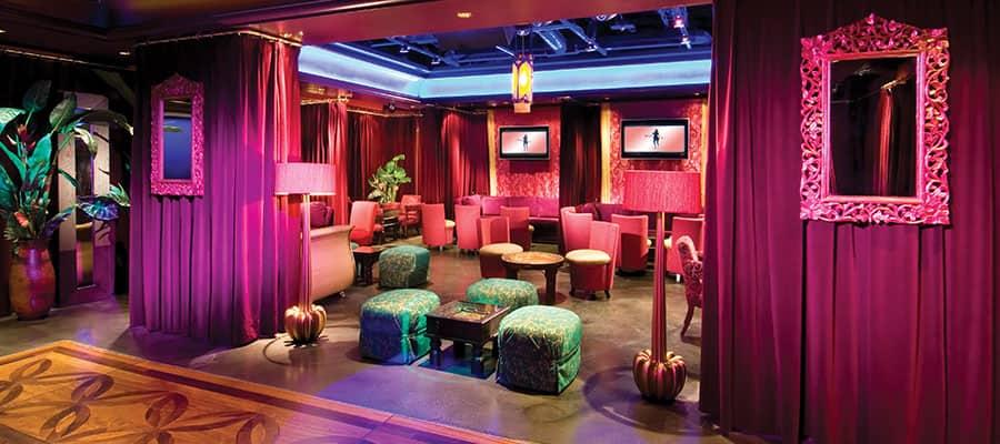 Salón y club nocturno Maharini's