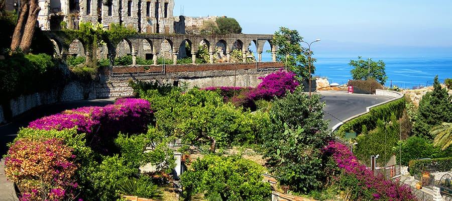 Paisajes hermosos en un crucero a Taormina