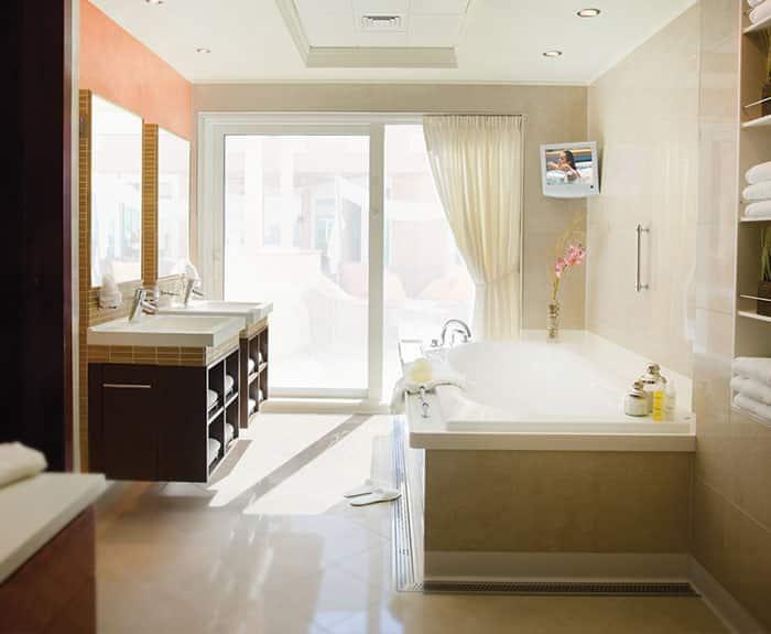 Baño de The Haven villa con jardín, 3 habitaciones en el Norwegian Pearl