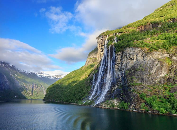 Castillos y fiordos: cruceros por las Islas Británicas y Noruega