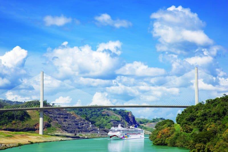 Crucero por el Canal de Panamá