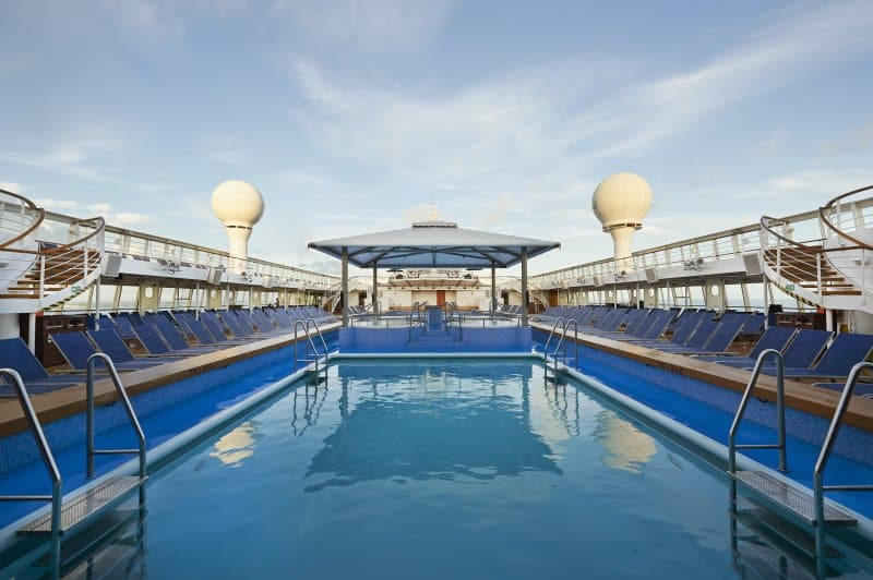 Norwegian Sun Pool Deck