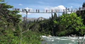 Ferrocarril White Pass y puente colgante