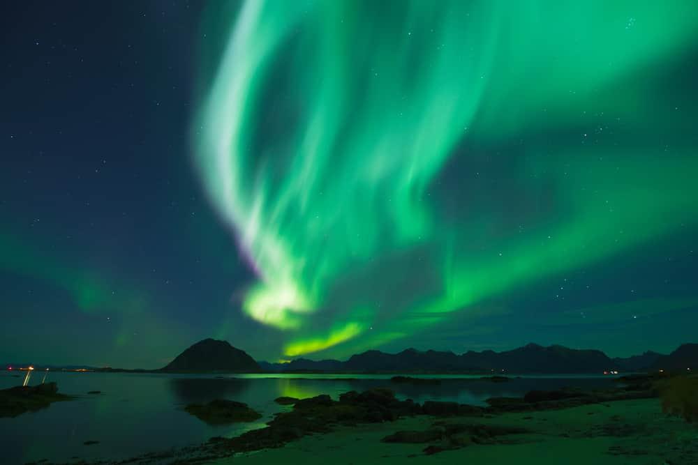 La mejor época para ver la aurora boreal en un crucero en Alaska